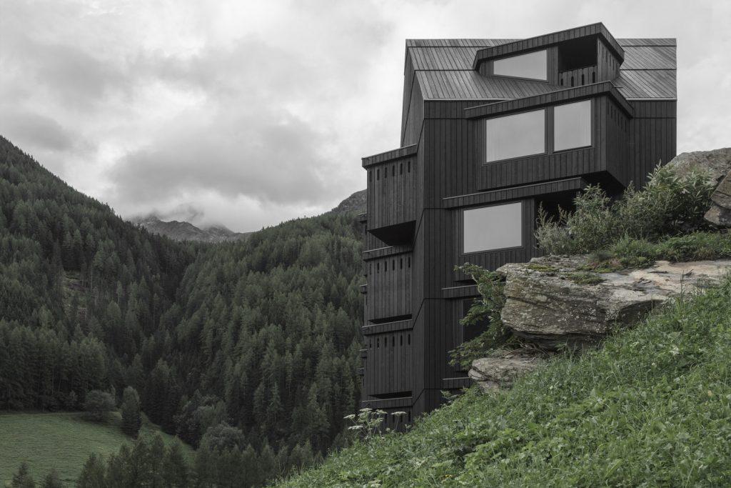 finestra_legno_casa_esterno_22_pedevilla_buhelwirt_img_4267_gw